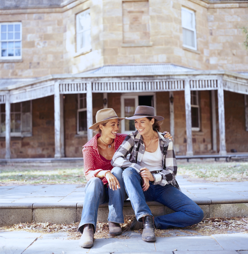 Drovers Run homestead with Tess and Claire, from series 1, McLeods Daughters